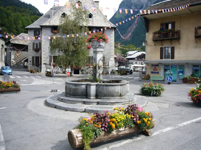 samoens_fountain